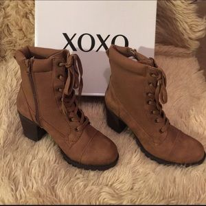NIB XOXO Clove Women's Lug Bottom Lace-Up Boots